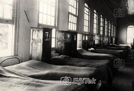 Kız Muallim Mektebi Yatakhanesi 1926