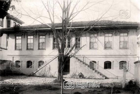 Kız Muallim Mektebi önden görünüm, 1926